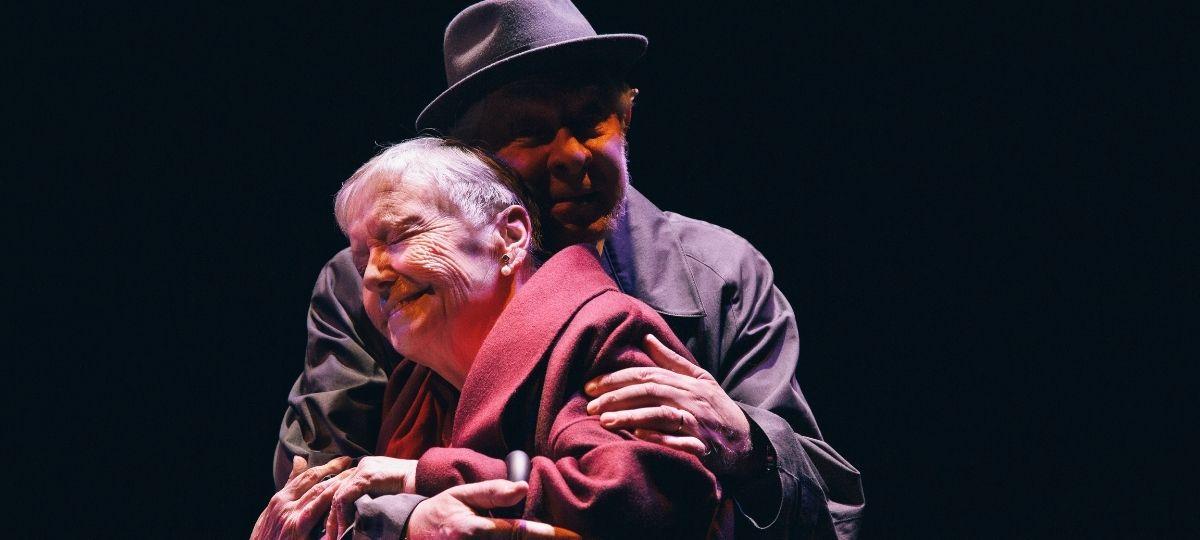 El abrazo - Teatro Bellas Artes - Teatro Bellas Artes